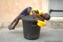 Les enfants de la rue seraient-ils un terreau fertile pour la violence dans les cités et le chômage ?